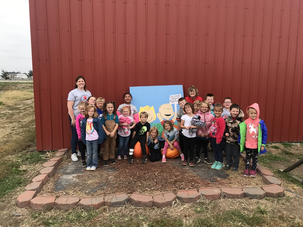 Kindergarten had a great time at the pumpkin patch!